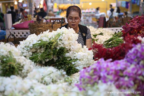 Pak Khlong Talat – targ kwiatowy w Bangkoku