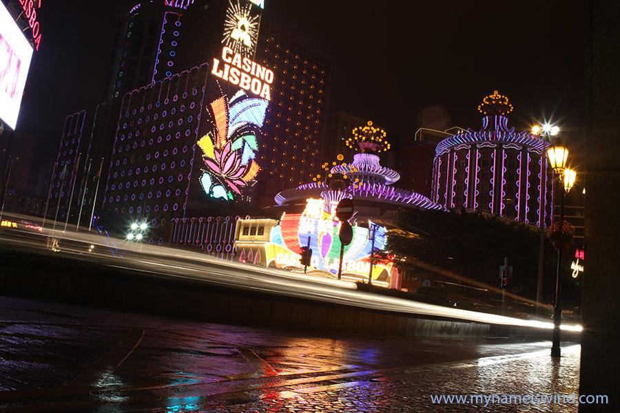 Nocny spacer po Makau