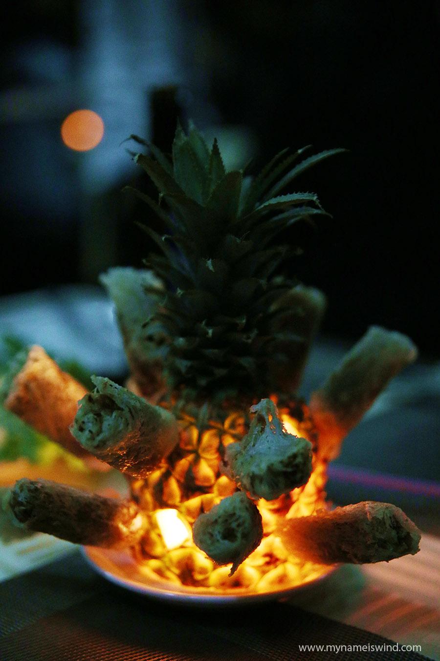 spring rolls w ananasie